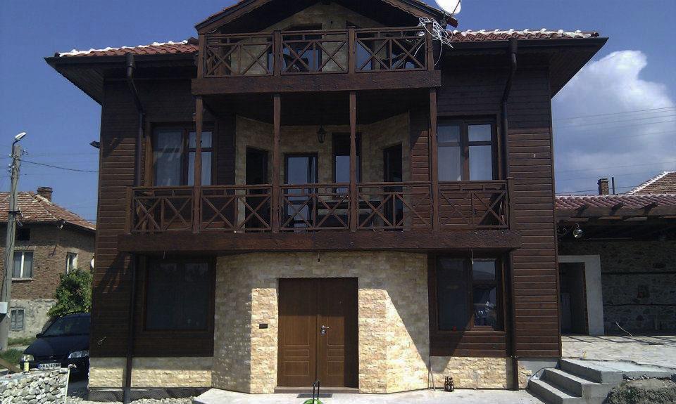 Облицовка с камък на селска къща