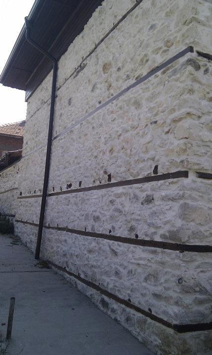 Облицовка с камък - външни стени на селска къща