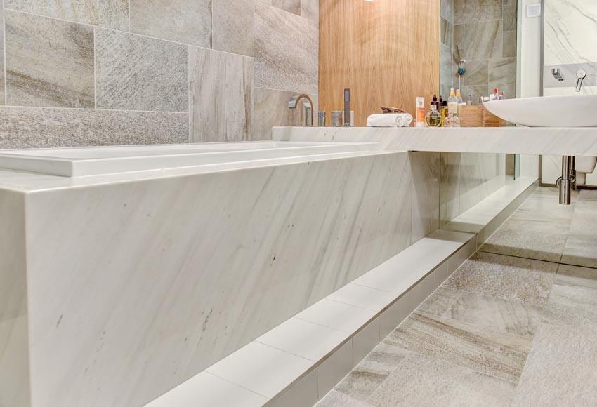 Облицовка на баня с естествен камък