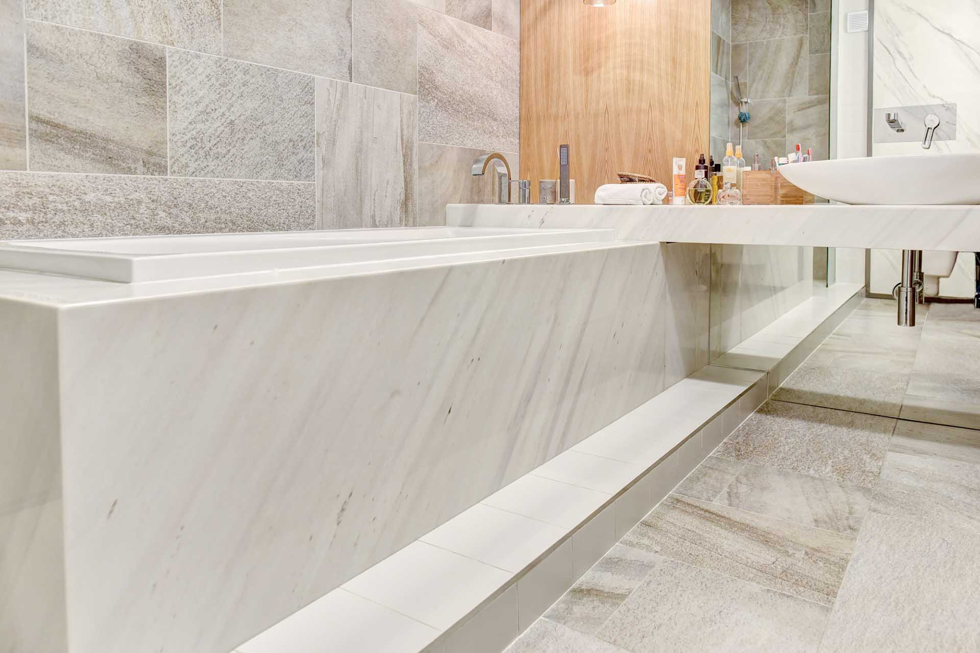 Облицовка на баня в частен дом