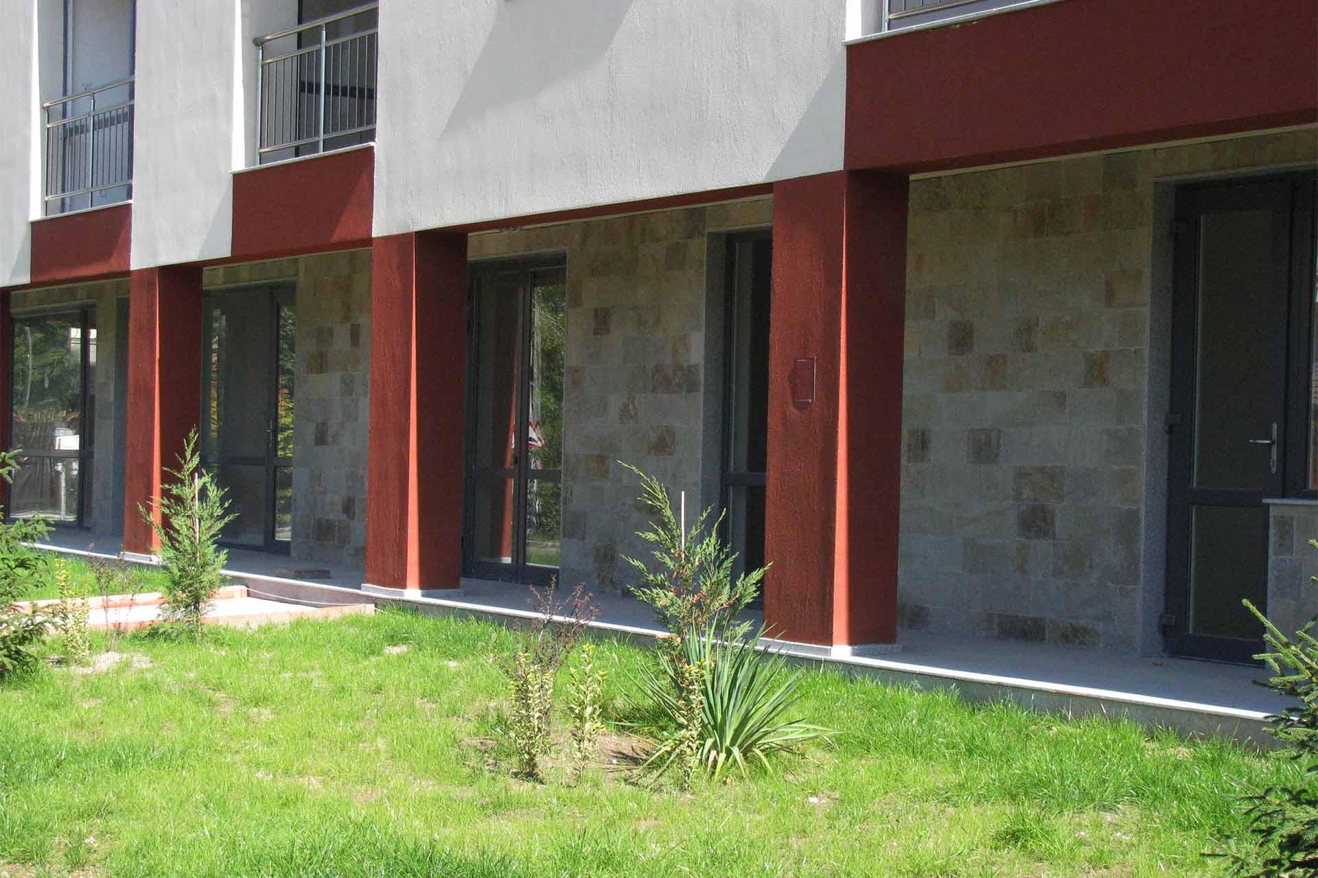 Облицовка на жилищна сграда - гнайс