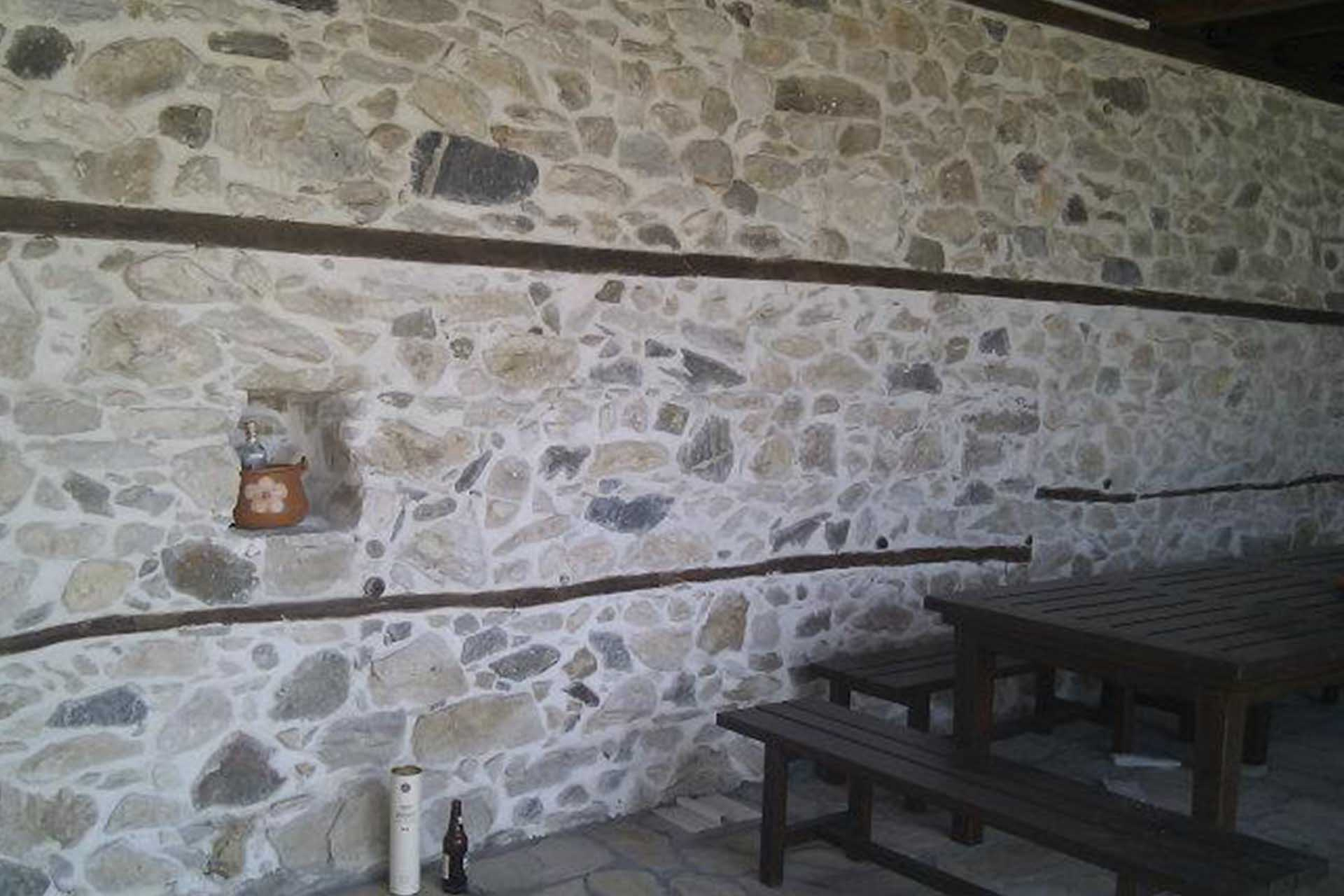 Облицовка интериорна стена - възрожденска