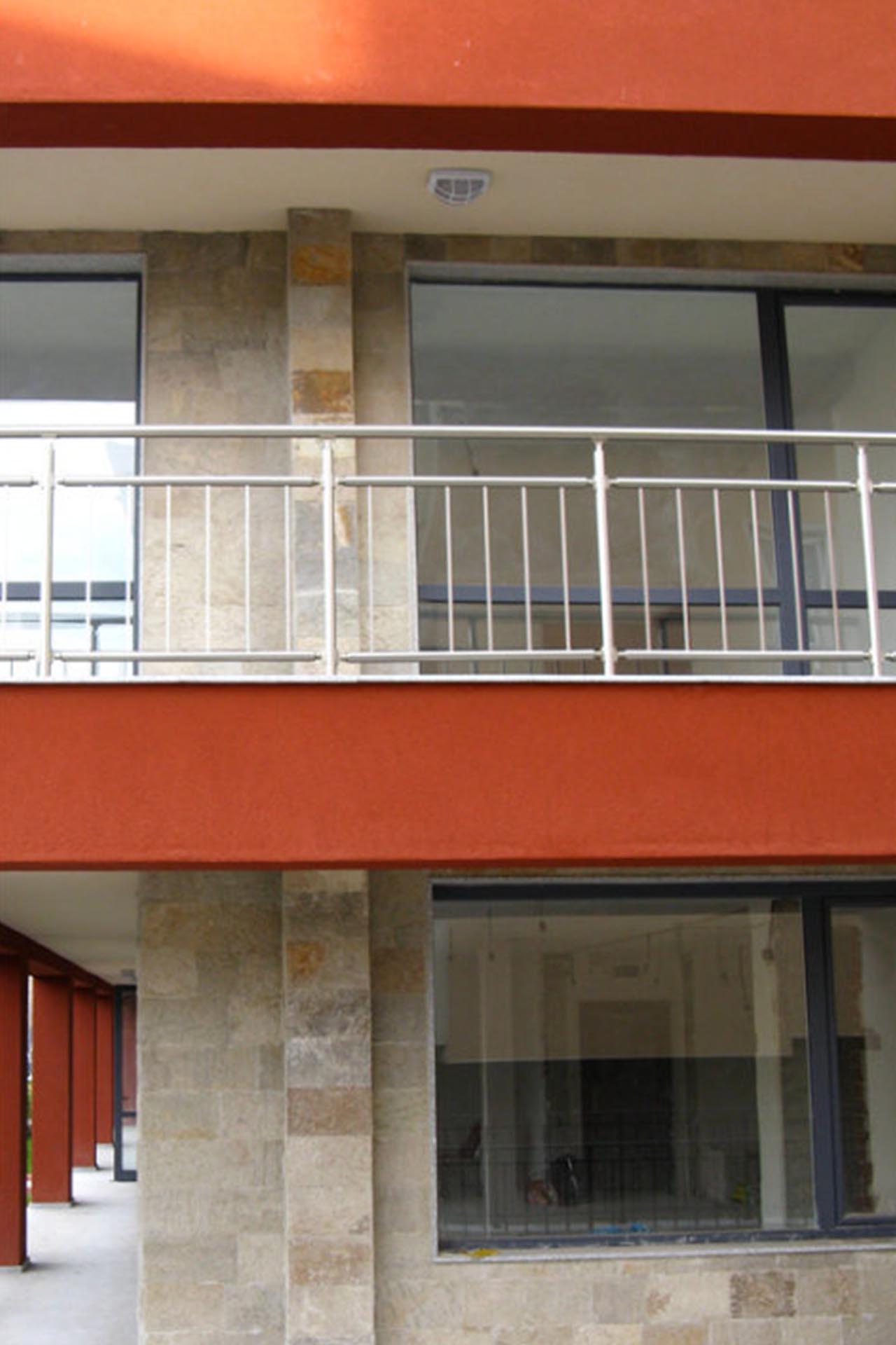 Облицовка на фасада - жилищен блок