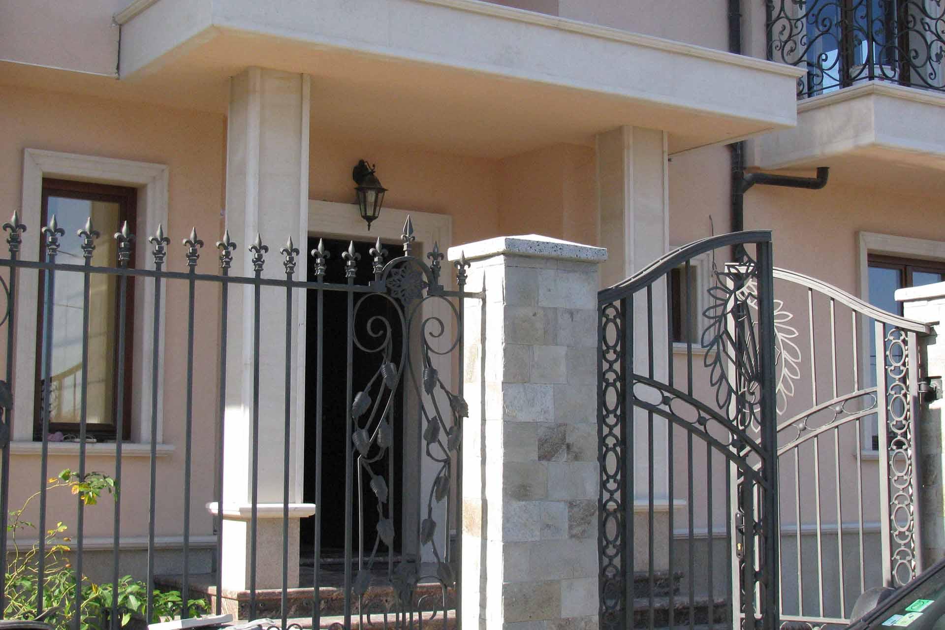 Облицовка на фасада - частен дом