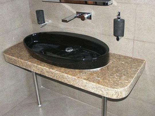 Плот за баня от полиран гранит