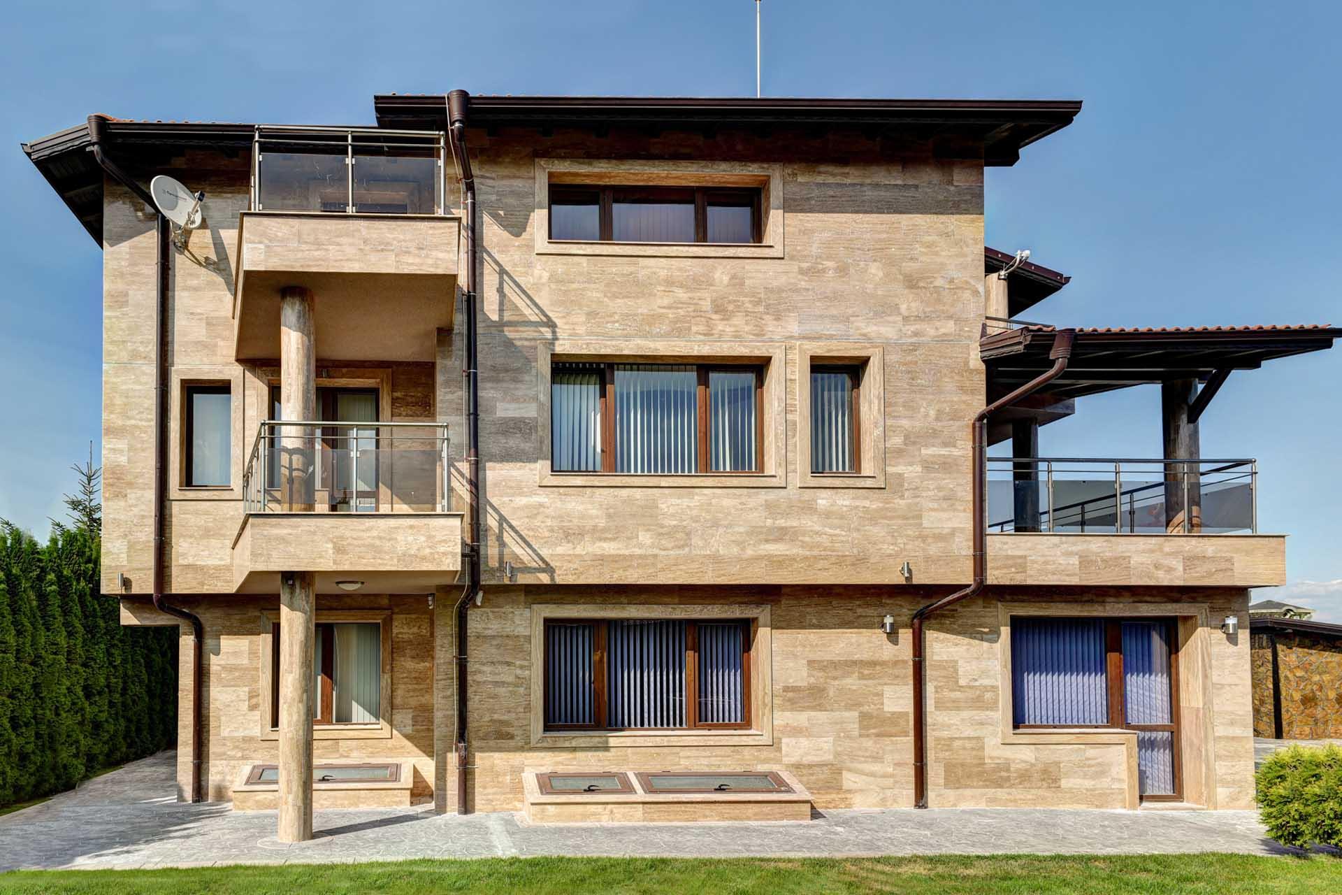 Фасада на къща по метода заливка