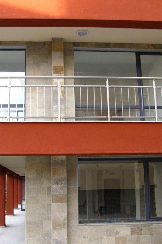 Фасада от обрязан гнайс 2