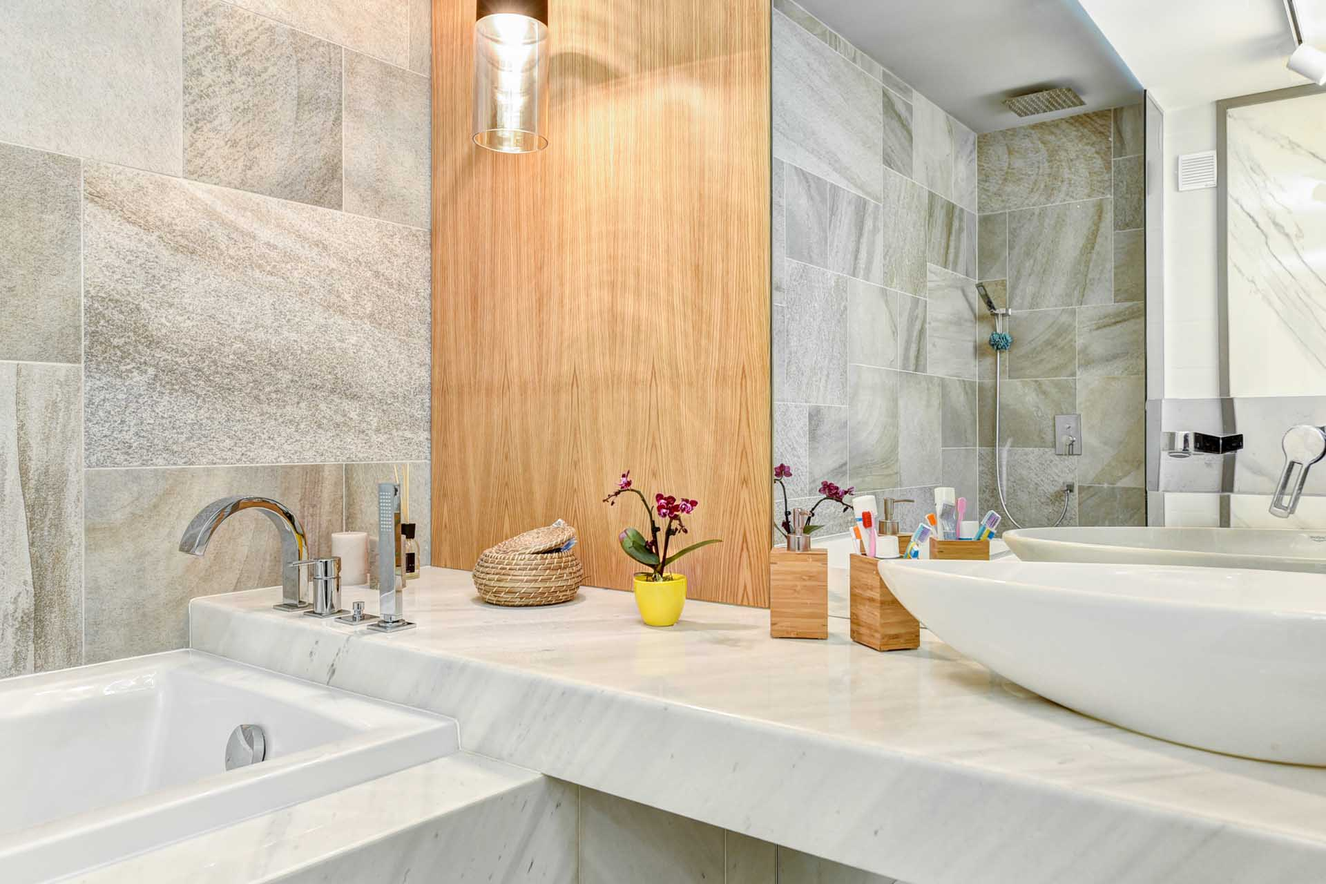 Облицовка на баня с мрамор