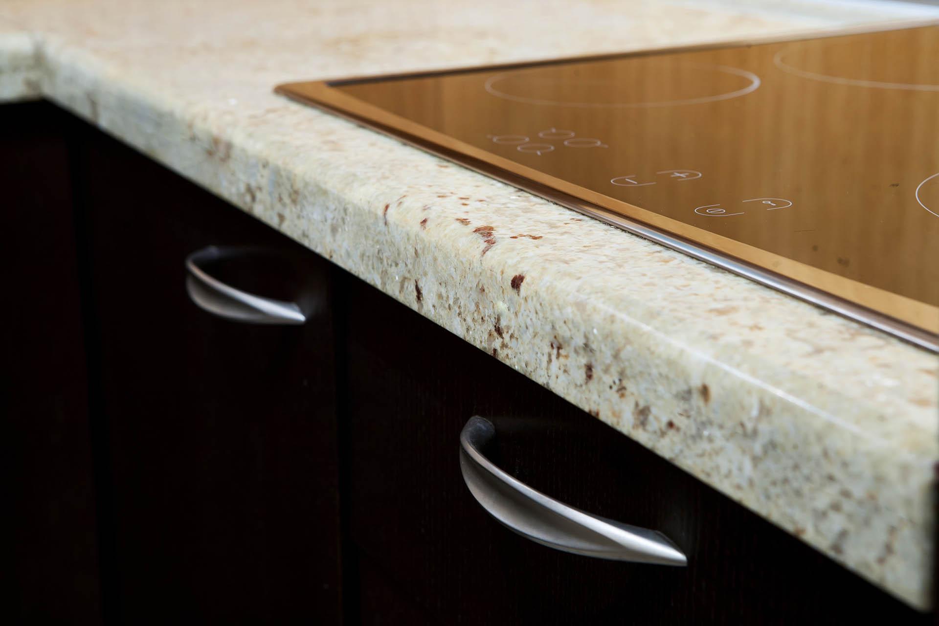 Кухненски плот от гранит Cashmere White и подлепка 2