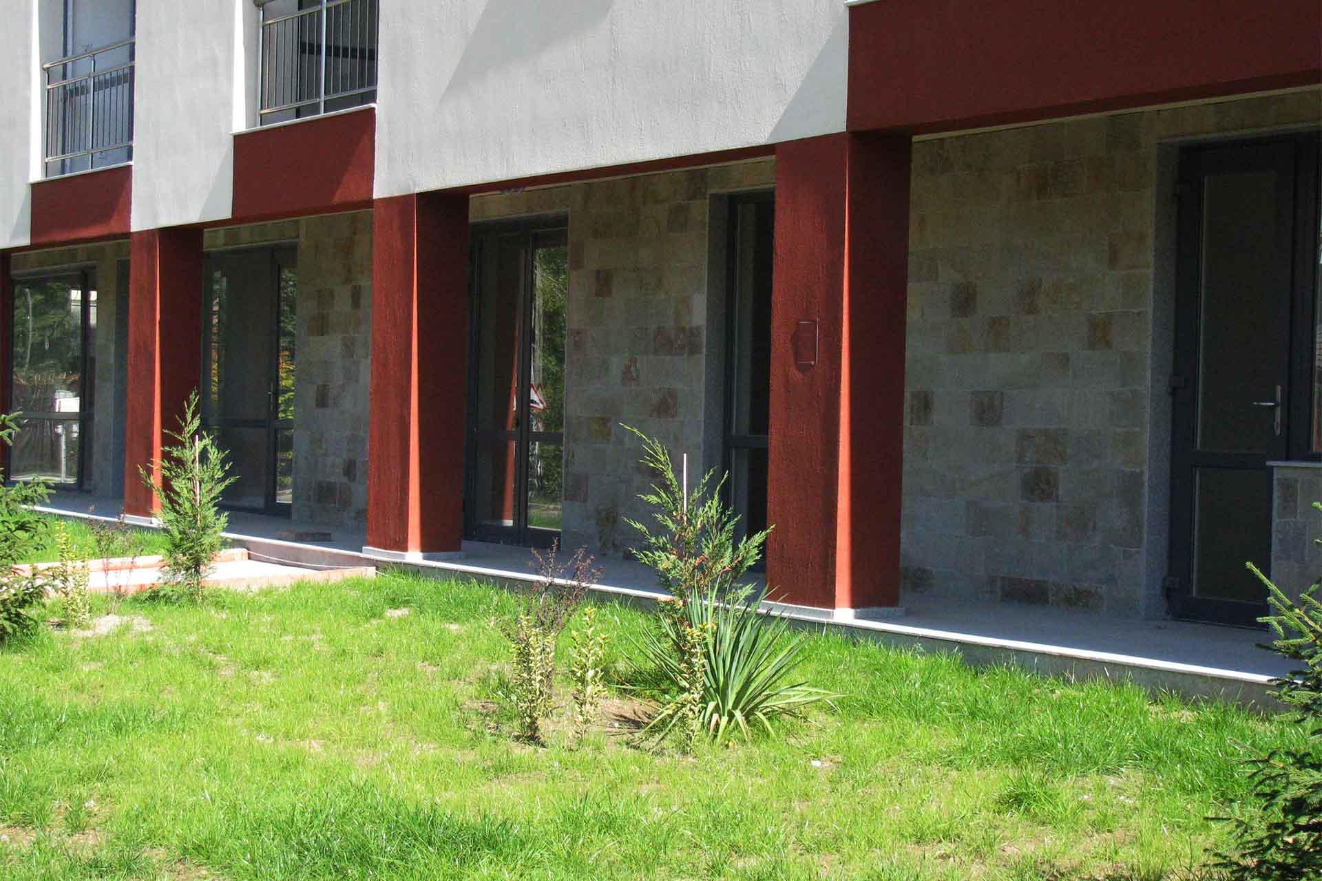 Фасада от обрязан гнайс 3