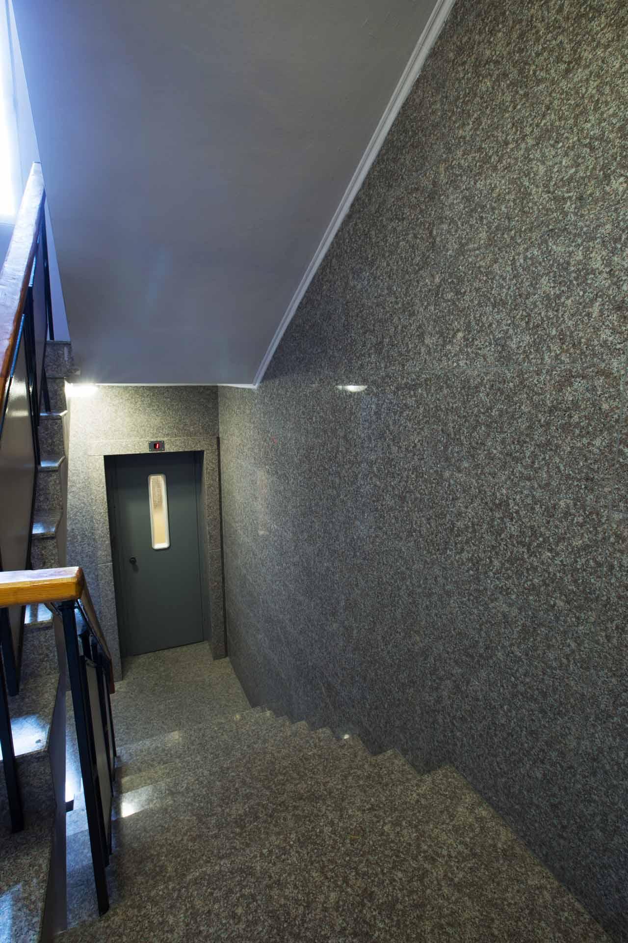 Стълбище - гранит