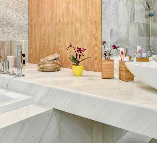 Облицовка на баня технически камък - частен апартамент