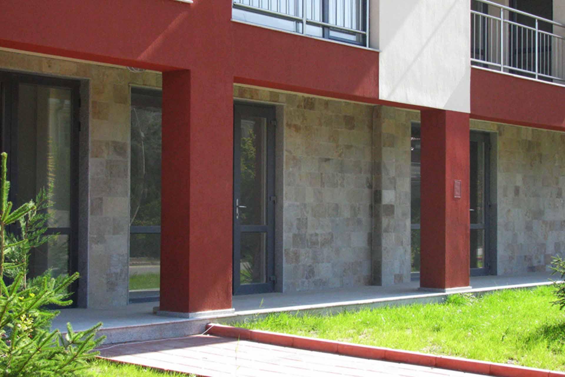 Облицовка на фасада - жилищна сграда